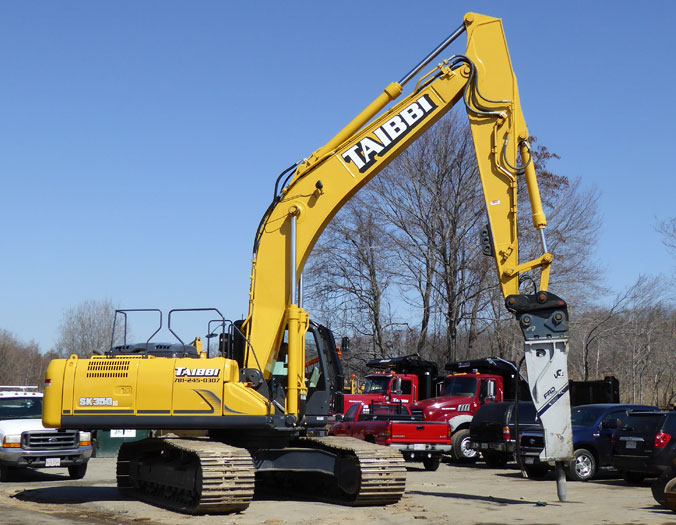 Construction Equipment and Truck Rental in Wakefield MA